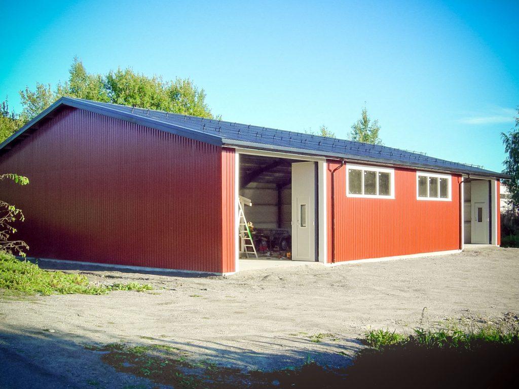 EA-HALLEN Dette bygget er uisolert og er oppført hos Sundbygg AS , Vestby